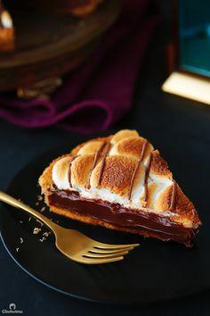 S'mores Kunafa Pie Arabic Dessert, Arabic Sweets, Arabic Food, Sweets Photography, Party Desserts, Dessert Party, Dessert Food, Party Recipes, Middle Eastern Desserts
