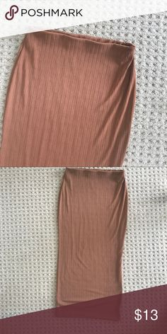 BodyCon Midi Skirt BodyCon Midi Skirt * Only worn once  * Size 2 * Brownish / Gold   Please, no trades, all offers will be considered , & will ship within 3 business days but likely sooner ✨   7/17: uO19p13LO8 Missguided Skirts Midi