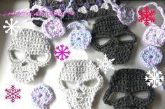 Skulls and mini granny squares.... better pattern @ http://fearandloathingwithyella.blogspot.ca/2012/11/crochet-skull-pattern.html