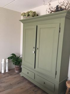 New Annie Sloan Painted Bedroom Furniture Kitchen Cabinets Ideas Painted Bedroom Furniture, Kitchen Furniture, Trendy Furniture, Diy Furniture, Bohemian Furniture, Painted Wardrobe, Annie Sloan Chalk Paint Wardrobe, Annie Sloan Chalk Paint Olive, Home Decor Bedroom