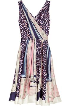 Money Savers: 10 Sundresses To Keep In Rotation Year-Round #refinery29/* This is the type of dress that can transition the seasons