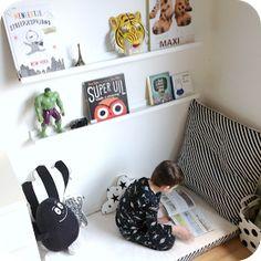 Het is de ideale DIY-tip voor wanneer je ukje overstapt van een babybed naar een groter bed: het babymatrasje overtrekken en gebruike...