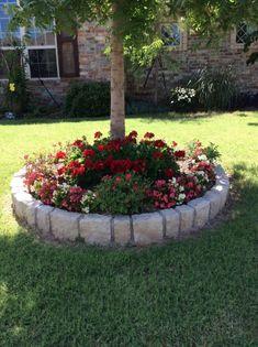 47 Enchanting DIY Vertical Planter Jardinera Arboles Jardines Garden Flower Beds Y Garden Landscaping Garden Yard Ideas, Garden Beds, Garden Projects, Garden Art, Backyard Ideas, Small Front Yard Flower Garden Ideas, Front Yard Ideas, Small Flower Gardens, Pebble Garden