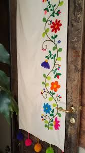 Resultado de imagen para bordado mexicano Embroidery Patterns Free, Hand Embroidery Stitches, Hand Embroidery Designs, Diy Embroidery, Cross Stitch Patterns, Cushion Embroidery, Bohemian Furniture, Mexican Embroidery, Fabric Painting