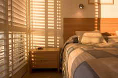DIY Window Shutters UK Shop the best quality elegant window shutters from UK's leading shutter suppl Window Shutters Uk, Diy Shutters, Blinds For Windows, Indoor Shutters, Window Blinds, Arched Windows, Large Windows, Stores Horizontaux, Airstream