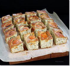 Gizi-receptjei: Sárgabarackos-mákos pite. Banana Bread, French Toast, Breakfast, Food, Morning Coffee, Meals, Yemek, Morning Breakfast, Eten