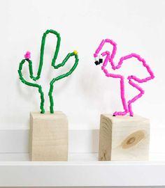 DIY perler bead flamingo and cactus sculptures Fun Crafts, Diy And Crafts, Arts And Crafts, Diy For Kids, Crafts For Kids, Flamingo Craft, Diy Y Manualidades, Sculpture Lessons, Maila