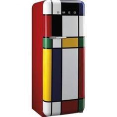 Ultimate Gift Guide for Foodies & Food Lovers Kitchen goes arty: Piet Mondrian-inspired Smeg fridge.Kitchen goes arty: Piet Mondrian-inspired Smeg fridge. Piet Mondrian, Funky Furniture, Painted Furniture, Furniture Design, Graffiti Furniture, Smeg Fridge, Smeg Kitchen, Green Kitchen, Decoration Stickers