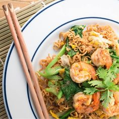 When life gives you lemons, cut it up into wedges and squeeze it over this beautiful Garlic Shrimp Noodles! Yummy with 25 grams of high-quality protein! Protein Noodles, Shrimp Noodles, Garlic Shrimp, Love Eat, Sun Dried, Determination, Gym Motivation, Healthy Choices, Fitspo