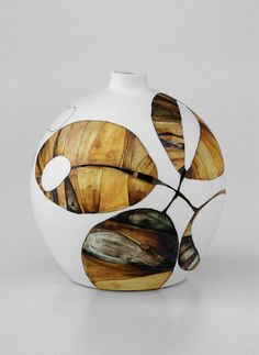 Australia pottery – Tania Rollond and Ros Auld Ceramic Pots, Ceramic Clay, Porcelain Ceramics, Ceramic Pottery, Pottery Art, Porcelain Jewelry, Fine Porcelain, Kintsugi, Keramik Design