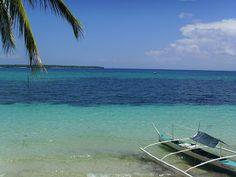 Ich liebe es auf einsame Strände zu schauen und dabei meinen Blick in die Weite schweifen zu lassen Cebu, Bantayan Island, Visayas, Outdoor Furniture, Outdoor Decor, Sun Lounger, Interior Design, Beach, Travel
