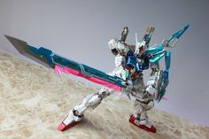MG 1/100 GAT-X105+AQM/E-X02 Sword Strike Gundam Custom: Photo Review http://www.gunjap.net/site/?p=270964