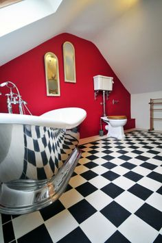 A deep soak in a bath like this with all the time in the world screams doesn't it? Gadlas at Abersoch on the , North Wales. Cottages In Wales, Luxury Holiday Cottages, Time In The World, North Wales, Bath, Deep, Travel, Home, Bathing