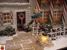Ultimate Gingerbread - Photos: How to make Wrought Iron Fencing