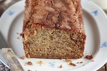 These banana bread recipes from Kraft Canada deliver everything you want in a yummy loaf of banana bread! Try out these banana bread recipes today! Cinnamon Banana Bread, Make Banana Bread, Kraft Recipes, Just Desserts, Dessert Recipes, Dessert Ideas, Appetizer Recipes, Yummy Recipes, Chocolate Zucchini Bread