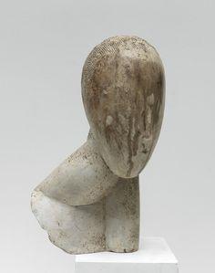 Constantin Brancusi (1876 - 1957) La Muse vers 1917 Plâtre patiné à la gomme laque 45 x 23 x 20,5 cm
