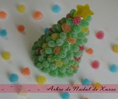 Christmas tree with sweet jellys Christmas Candy Crafts, Christmas Decorations, Christmas Is Coming, Christmas Time, Diy And Crafts, Arts And Crafts, Candy Cakes, Candy Gifts, Xmas Party