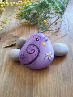 Hand-painted on stone  little sparrow hand-painted on by AxiKedi