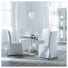 Time for some Ikea love! The Ikea Liatorp is a sturdy table whose traditional pedestal style is perfect for mixing a variety of ch. Liatorp, Ikea Dining, Ikea Table, Dining Chairs, Dining Table, Dining Room, Henriksdal Chair Cover, Inspiration Ikea, Table Seating