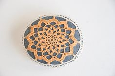 sunshine crochet rock