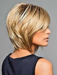 Bobs For Thin Hair, Short Hair With Layers, Short Hair Cuts, Thick Hair, Layered Bob Hairstyles, Hairstyles Haircuts, Trending Hairstyles, Medium Bob Haircuts, Blonde Hairstyles