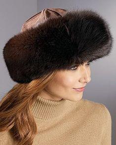Fox Fur Hat - Free tutorial from Weekend Designer