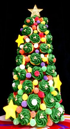 Buttercream Blondie: Holiday Cupcake Tree with how-to video!