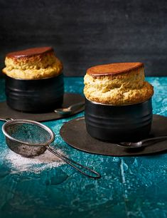 Baking your own light-as-air soufflés is not as daunting a challenge as you might think. With our step-by-step guide making soufflés has never been easier. Impress your friends and families with our simple white chocolate and pistachio recipe Summer Dessert Recipes, Delicious Desserts, Desert Recipes, Drink Recipes, Pudding Desserts, Pistachio Recipes, Souffle Recipes, Chocolate Souffle, White Chocolate