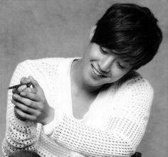 Kim Hyun Joong 김현중 ♡ smile ♡ black & white ♡ Kpop ♡ Kdrama ♡