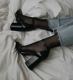 Dr Shoes, Me Too Shoes, Shoes Heels, Crazy Shoes, Shoes Sneakers, Ankle Strap Block Heel, Block Heels, Ankle Straps, Strap Heels