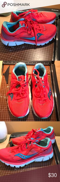 Saucony Natural Series shoes Excellent condition. Sz 10. Coral color. Literally almost like brand new. Saucony Shoes Sneakers