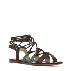 summer don't go away... great sandals- love the pop of green.