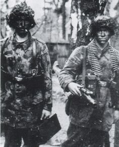 Thes above picture shows men of the HG Division wearing the Luftwaffe camouflage pattern uniform. The horrible fighting on the Eastern Front is clearly evident on these men's faces.