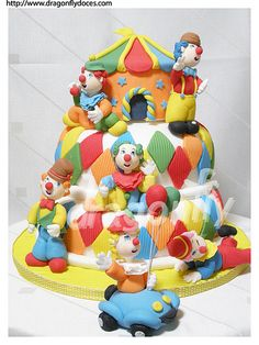 looks like it could be from cake boss! Sweet Cakes, Cute Cakes, Beautiful Cakes, Amazing Cakes, Beautiful Kids, Cake Boss Bakery, Cake Decorating Courses, Decorating Ideas, Seashell Cake