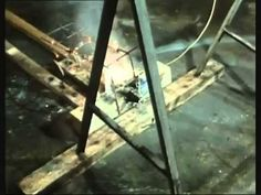 """""""Der Lauf der Dinge"""" (english """"The Way Things Go"""") a classic, Rube-Goldbergesque art movie by artists Peter Fischli and David Weiss. Peter Fischli David Weiss, Fischli Weiss, Modern Art, Contemporary Art, Rube Goldberg Machine, Creative Video, Arts Ed, Famous Art, Moving Pictures"""