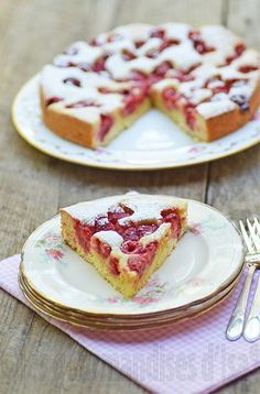 French Recipes 76733 As incredible as this cake may seem, it is a really quick dessert, which is as beautiful as it is good! Dessert Bullet Recipes, Lemon Dessert Recipes, Cake Recipes, Easy French Recipes, Irish Recipes, Sweet Recipes, French Desserts, French Food, Easy Desserts