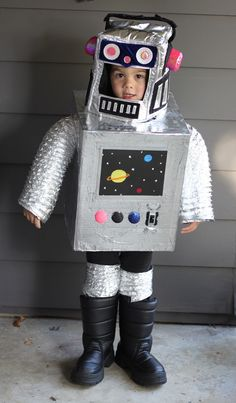 DIY Space Robot Costume..Just too cute...Never know when you need one to study science..lol