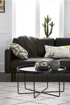 Sofabord online - Ellos.no Duravit, Interior Wood Shutters, Black Sofa, Modern Table, Beautiful Interiors, Home Living Room, Room Decor, Table Decorations, Furniture