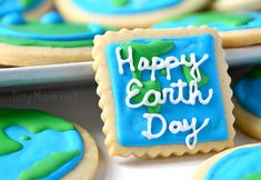 Earth Day Cookies {I like the way she did these, so cute! Great for when studying science with little ones!}
