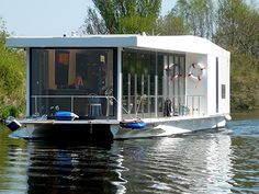 NOMAD Solar powered Houseboat