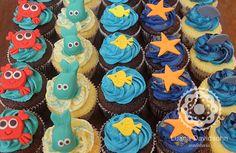 Confeitaria da Luana Cupcakes com tema marítimo: baleia, carangueijo, estrela do mar, peixe e tubarão, todos feitos com carinho e somente os detalhes em pasta americana, para f 5 de novembro de 2013