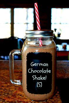 German Chocolate Shake!  (S) Sugar-free- Trim Healthy Mama.  Enjoy! Healthy Drinks, Low Carb Drinks, Low Carb Desserts, Healthy Detox, Healthy Foods, Healthy Eats, Healthy Life, Healthy Cooking, Healthy Desserts