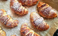 Diós-lekváros kifli, egy ötlet tízóraira | Álom.Íz.Világ. Winter Food, French Toast, Bread, Breakfast, Dios, Morning Coffee, Brot, Baking, Breads