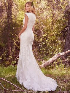 Vintage Lace Appliques Mermaid Modest Wedding Dresses 2017 Cap Sleeves Jewel Neck Button High Quality Bridal Gown Mermaid