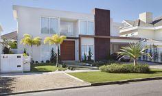 Casa VL Santa Mônica Jardins, Rio de Janeiro | Fachada Projeto e Decoração assinado por Angela Meza Arquitetur & Interiores