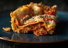 Phew.. Just a few more days to 2013! and hopefully a more predictable schedule 🙂 Till then I am trying to post up some quick recipes I made this month. Here's an easy Lasagna that I threw together in 30 minutes and then waited for the 40 minutes bake time. I layered some Chunky vegetable... Continue reading »