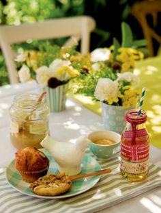 Good Morning ... Breakfast in the garden ...