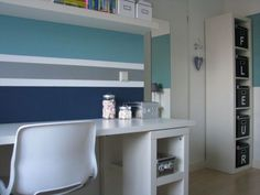 Fleur-ige tienerkamer: mooie gestreepte muur kinderkamer. Colorful kids room nursery: striped wall