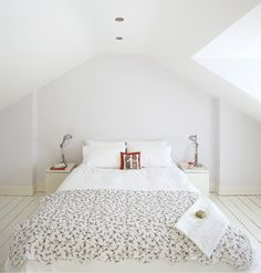 DP: Third floor of 22 linden? small cans and skylight, painted exposed floorboards Dublin House, Edwardian House, My Ideal Home, Step Inside, Skylight, Interior Inspiration, Modern Design, Bungalow Ideas, New Homes