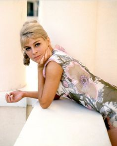 Julie Christie wins best actress for her portrayal of Diana Scott in Darling Julie Christie, Best Actress, Best Actor, British Actresses, Actors & Actresses, British Actors, Timeless Beauty, Beautiful People, Amazing People